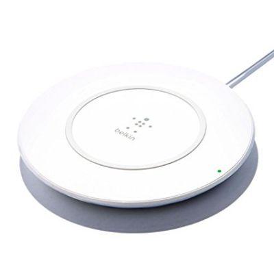 Бяло безжично зарядно устройство Belkin Qi Boost Up